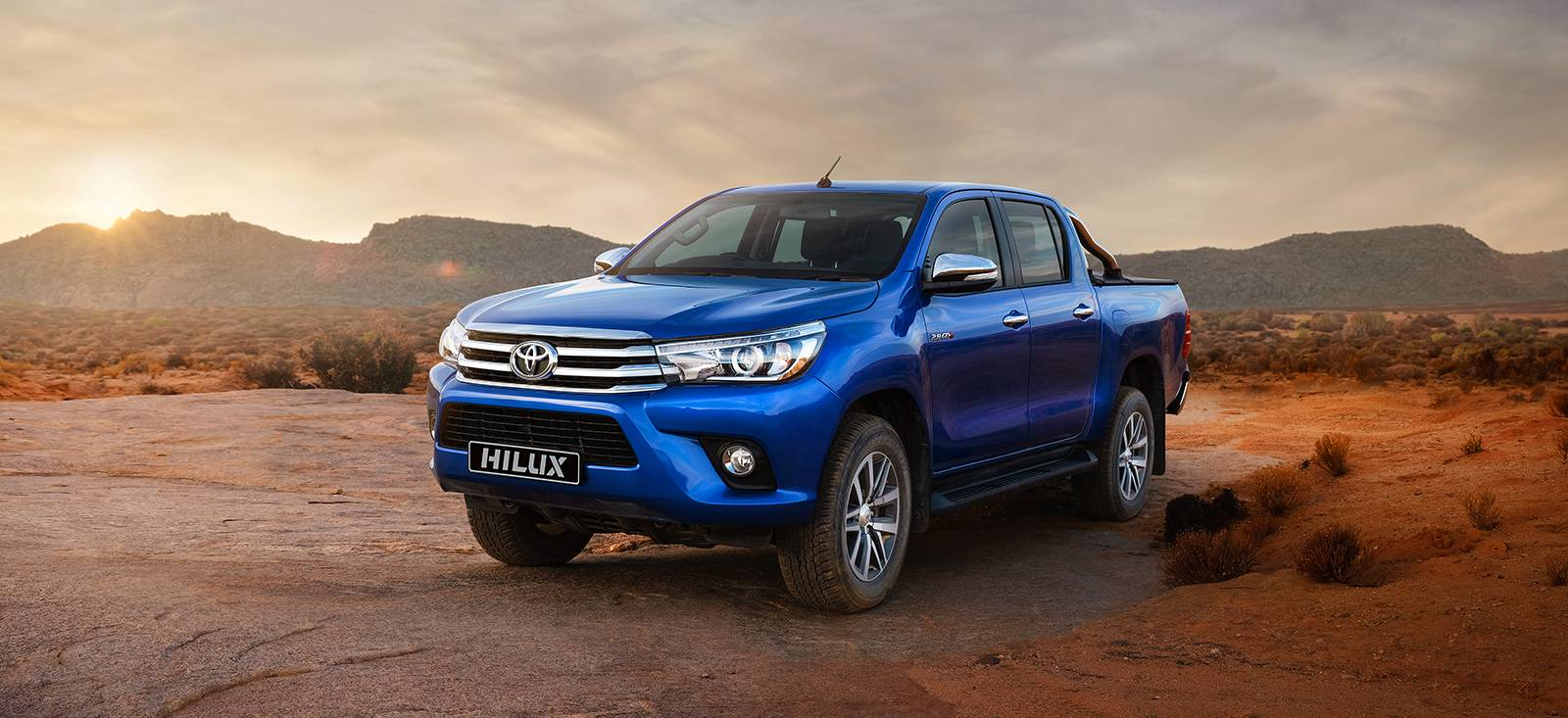 nouveau toyota hilux a uzes etablissements laborie. Black Bedroom Furniture Sets. Home Design Ideas